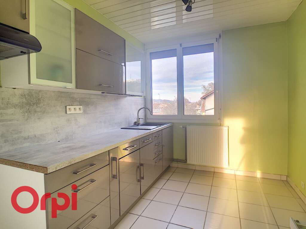 Appartement à louer 3 60m2 à Bar-le-Duc vignette-1