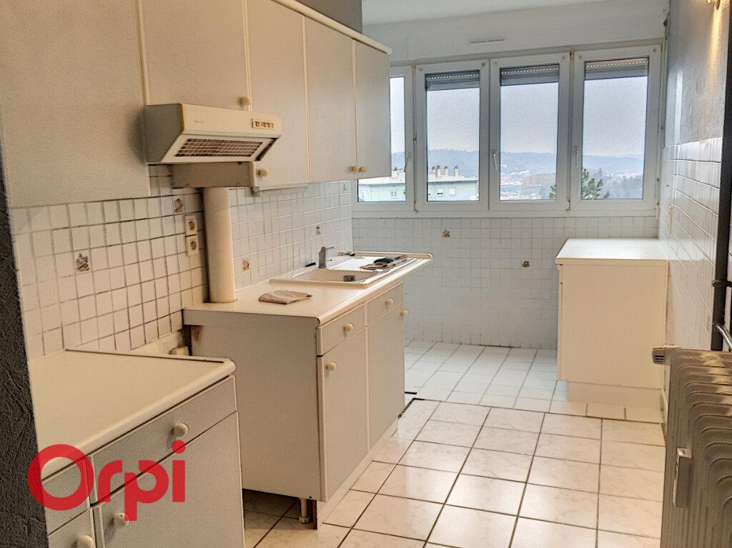 Appartement à louer 4 68m2 à Bar-le-Duc vignette-2
