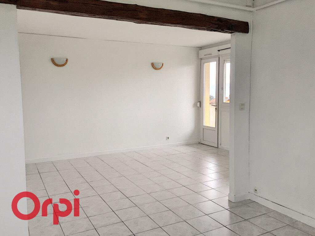 Appartement à louer 4 68m2 à Bar-le-Duc vignette-3