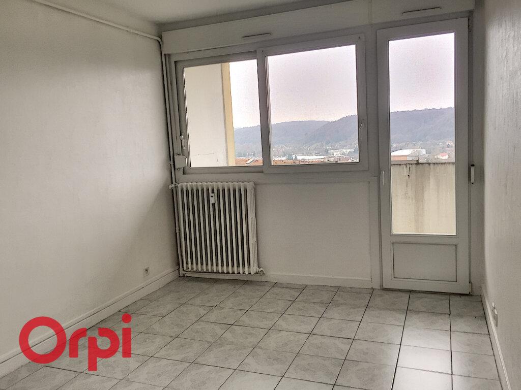 Appartement à louer 4 68m2 à Bar-le-Duc vignette-6