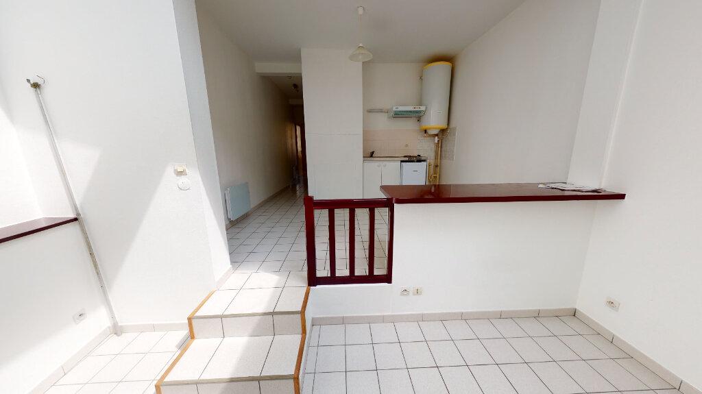 Appartement à louer 2 41.4m2 à Bar-le-Duc vignette-2
