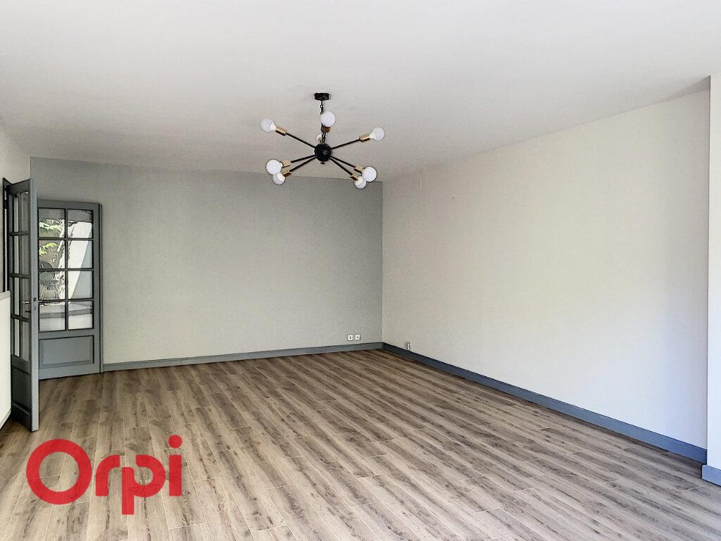Appartement à vendre 5 106m2 à Bar-le-Duc vignette-5