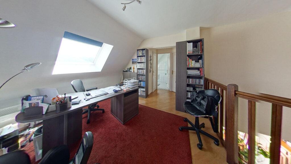 Maison à louer 6 127.72m2 à Bénouville vignette-9