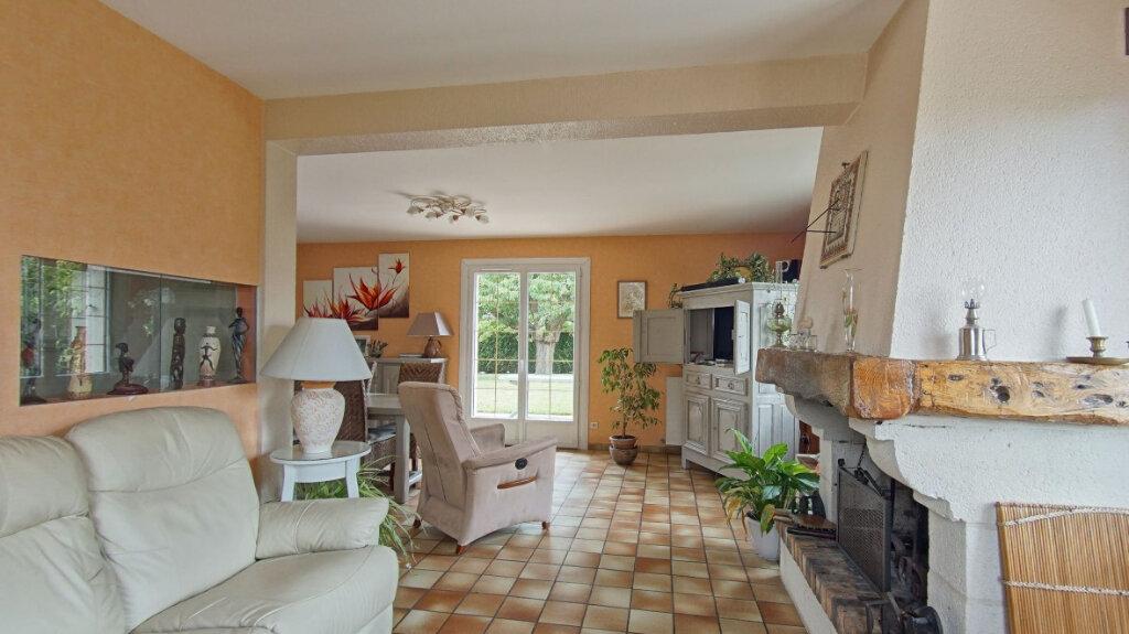 Maison à vendre 6 127m2 à Saint-Manvieu-Norrey vignette-4