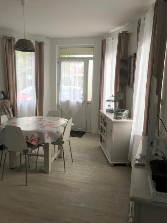 Appartement à louer 3 50m2 à Ouistreham vignette-4