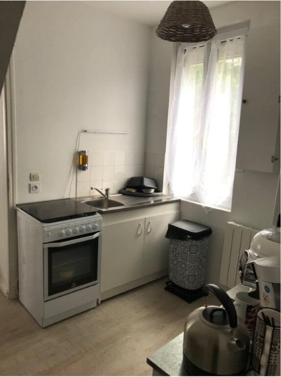 Appartement à louer 3 50m2 à Ouistreham vignette-7
