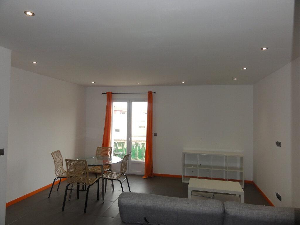 Appartement à vendre 3 67.93m2 à Lunel vignette-1