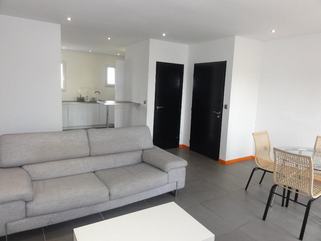 Appartement à vendre 3 67.93m2 à Lunel vignette-2