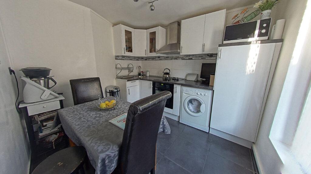 Appartement à vendre 4 62.93m2 à Deuil-la-Barre vignette-4