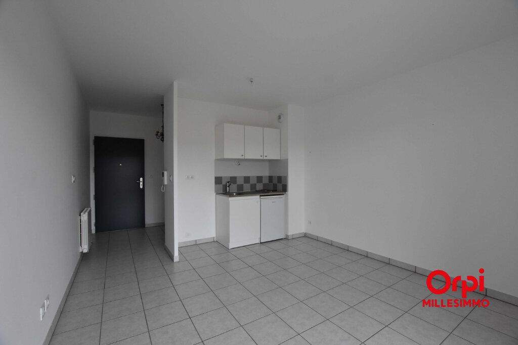 Appartement à louer 2 43.85m2 à Saint-Symphorien-sur-Coise vignette-3