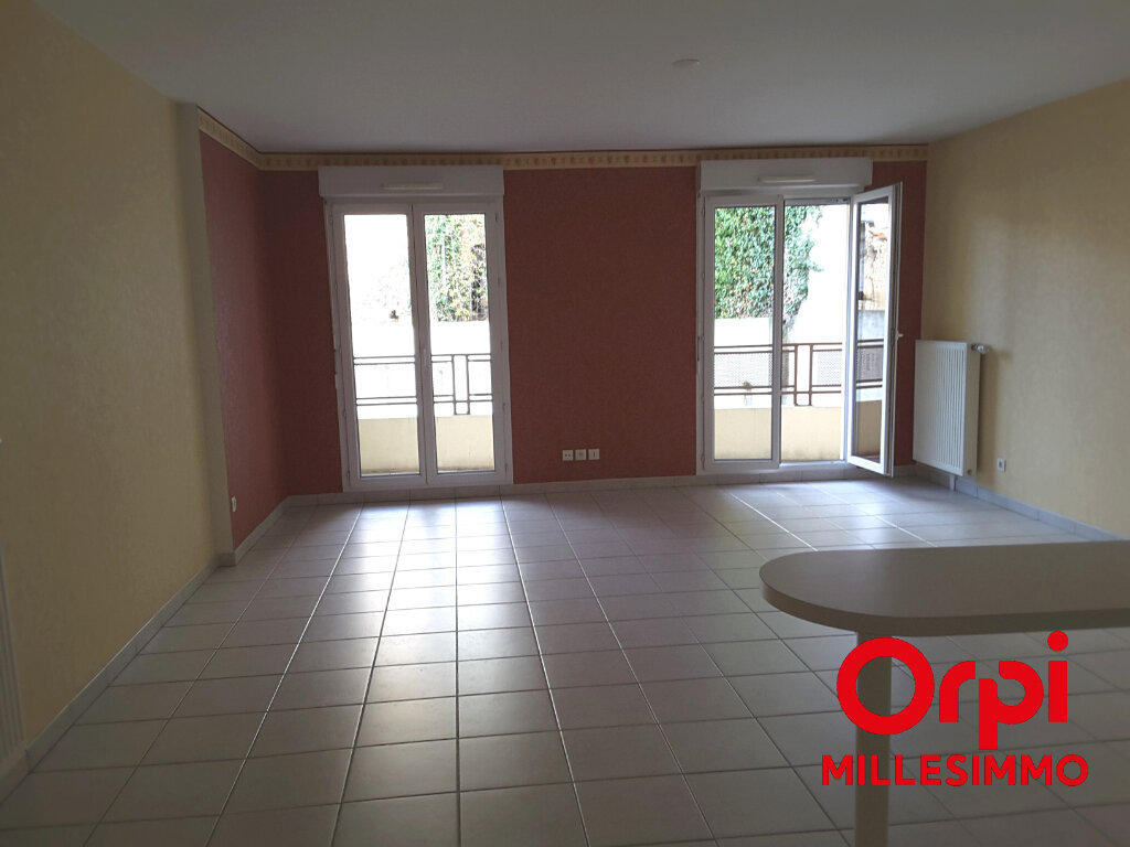 Appartement à louer 2 53m2 à Saint-Symphorien-sur-Coise vignette-2
