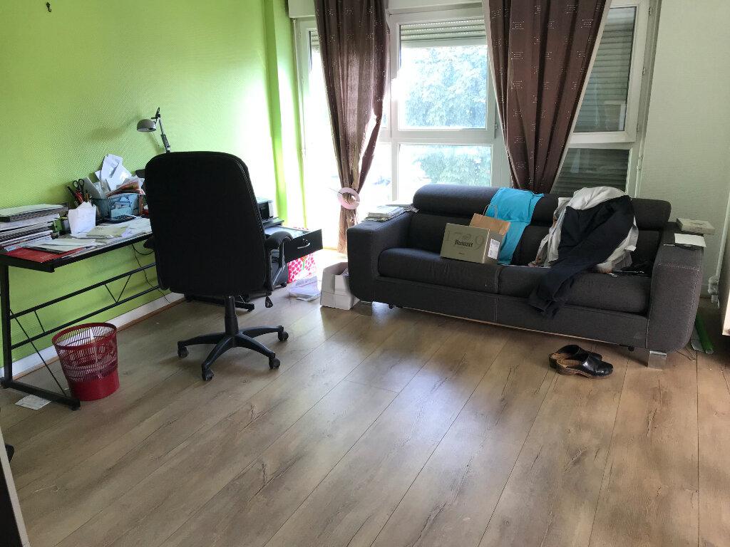 Appartement à vendre 3 90.09m2 à Épernay vignette-3