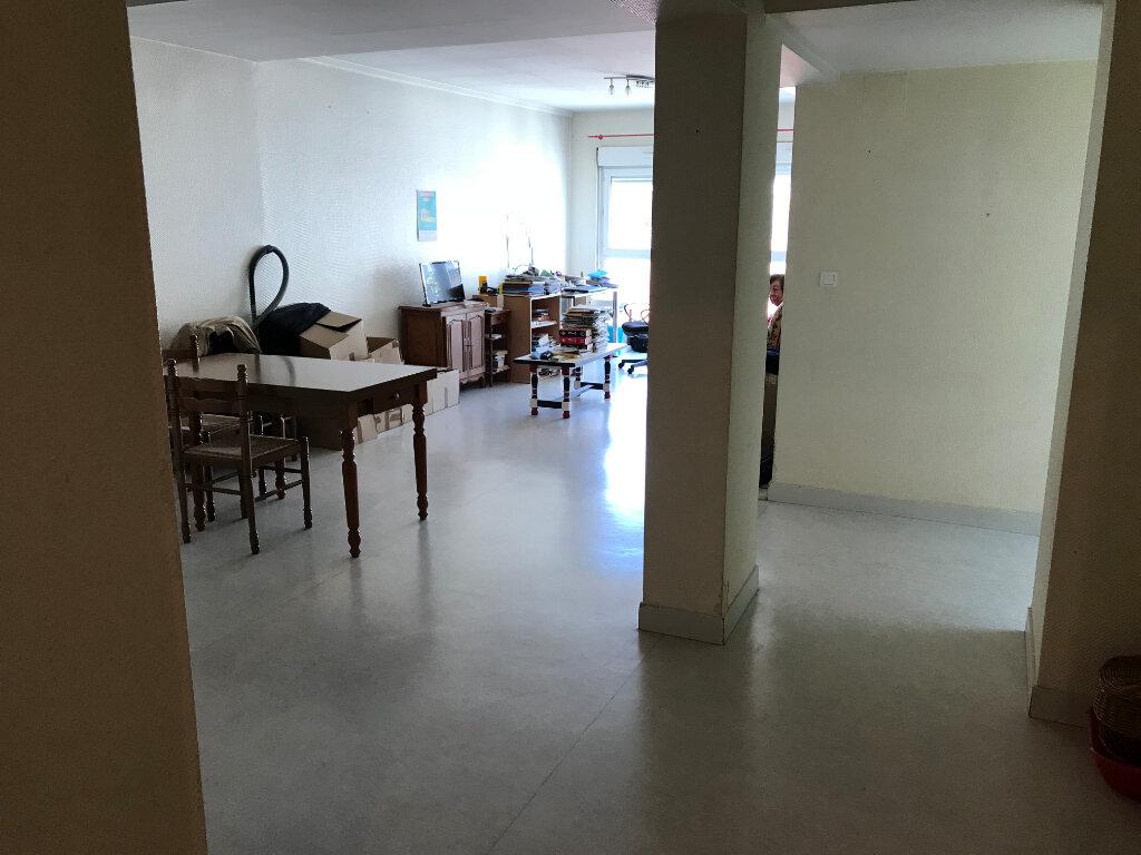 Appartement à vendre 4 95.69m2 à Épernay vignette-2