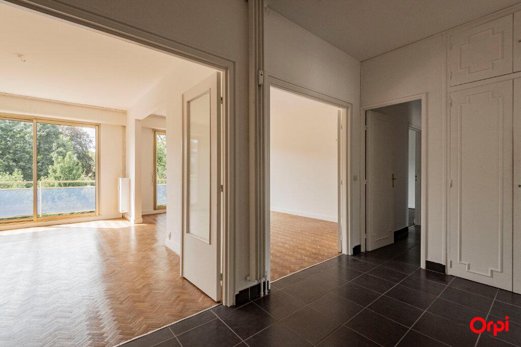 Appartement à louer 5 106m2 à Épernay vignette-1