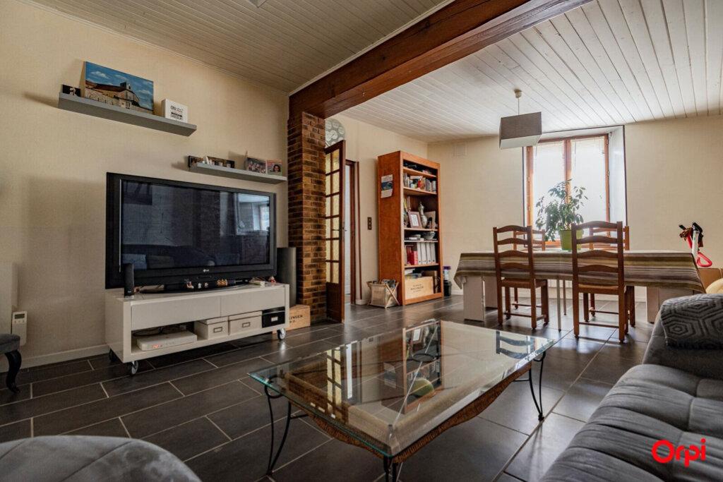Maison à vendre 6 121.78m2 à Ay vignette-1