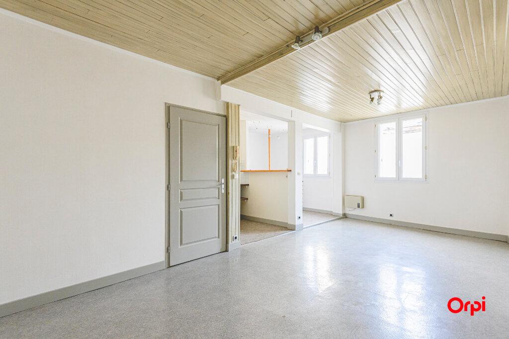 Appartement à louer 2 53m2 à Épernay vignette-1