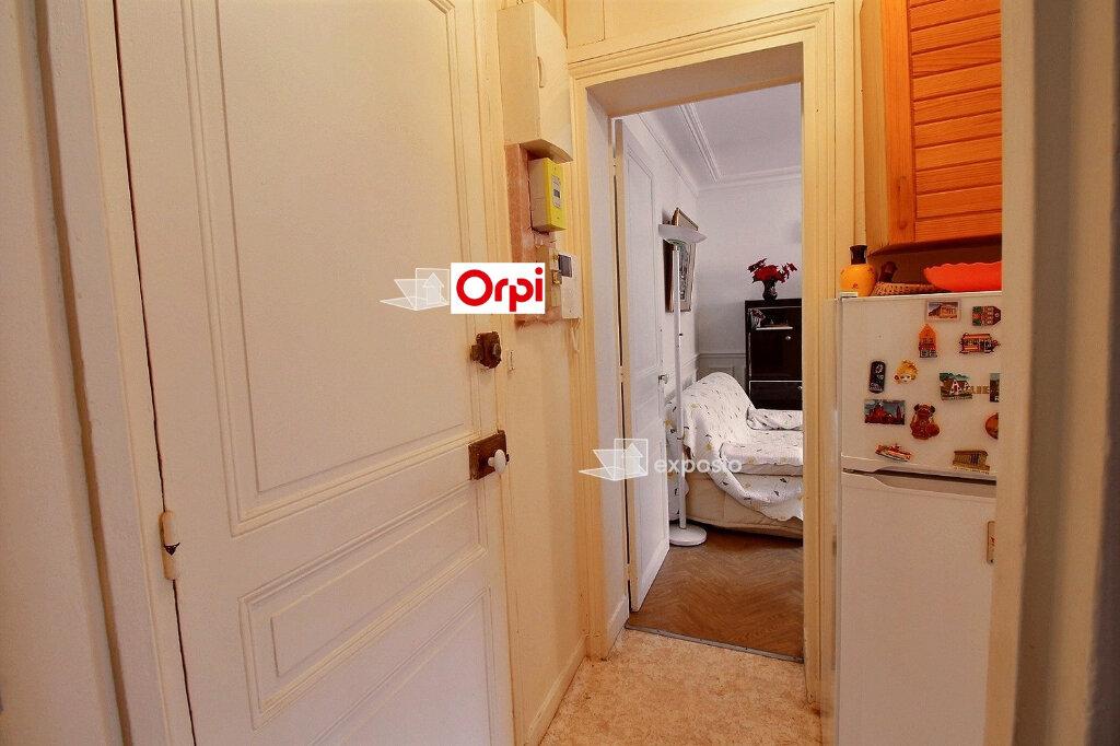 Appartement à vendre 5 75m2 à Paris 18 vignette-7