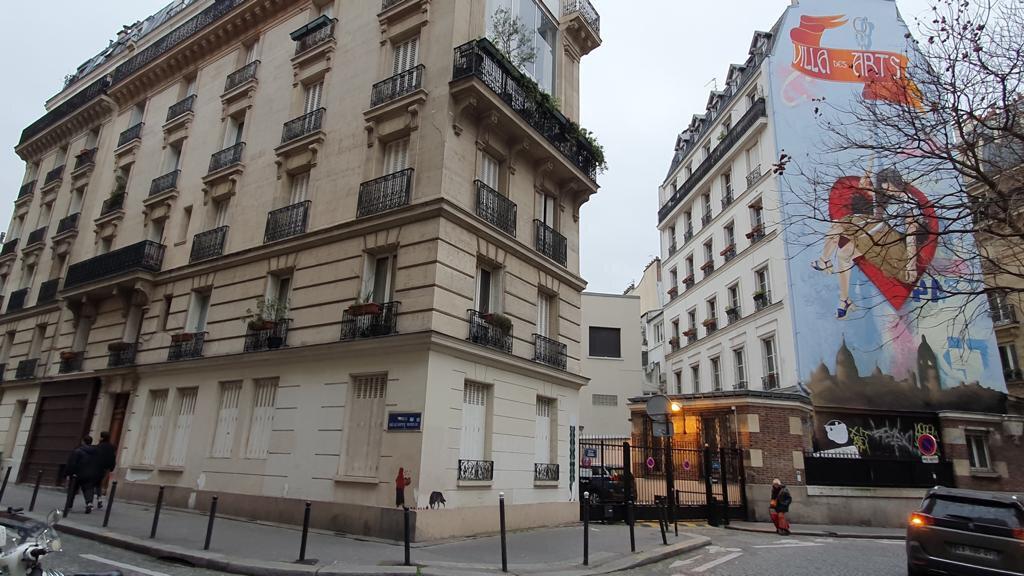 Appartement à louer 2 41.29m2 à Paris 18 vignette-1