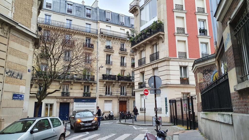 Appartement à louer 2 41.29m2 à Paris 18 vignette-7