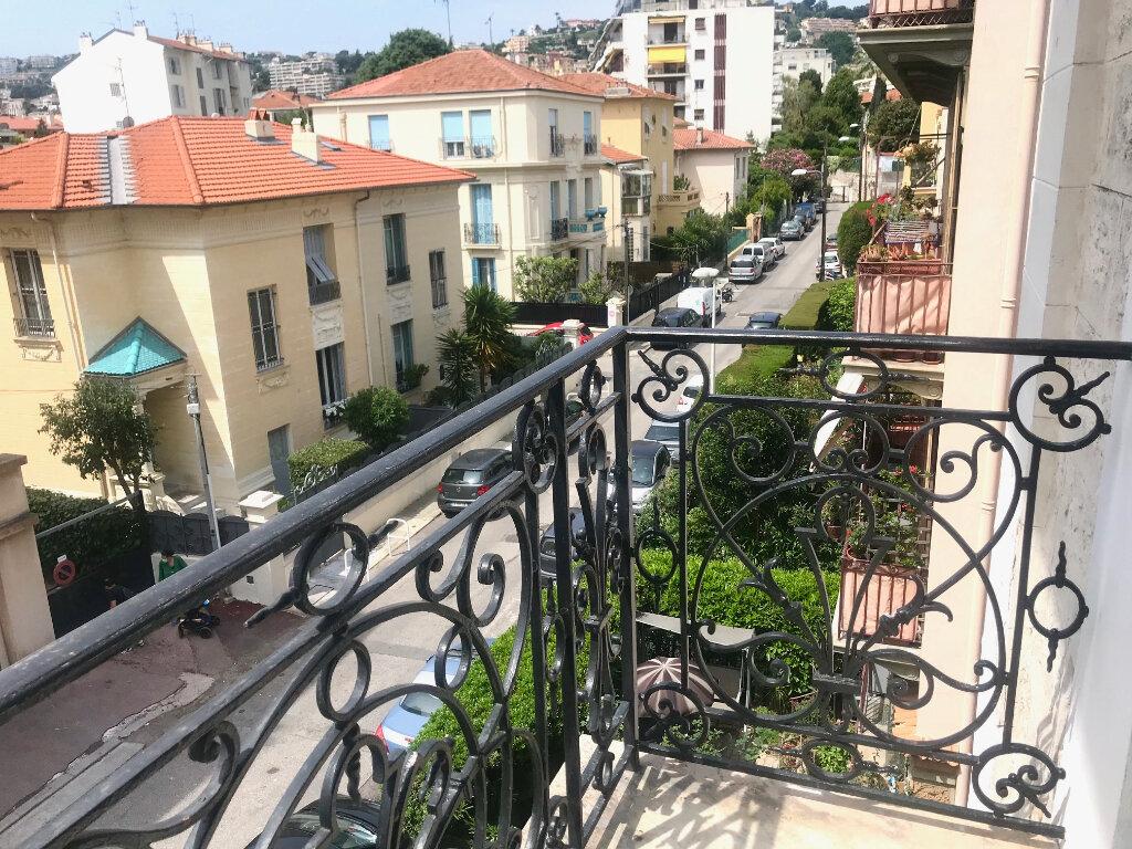 Appartement à louer 3 70m2 à Nice vignette-1