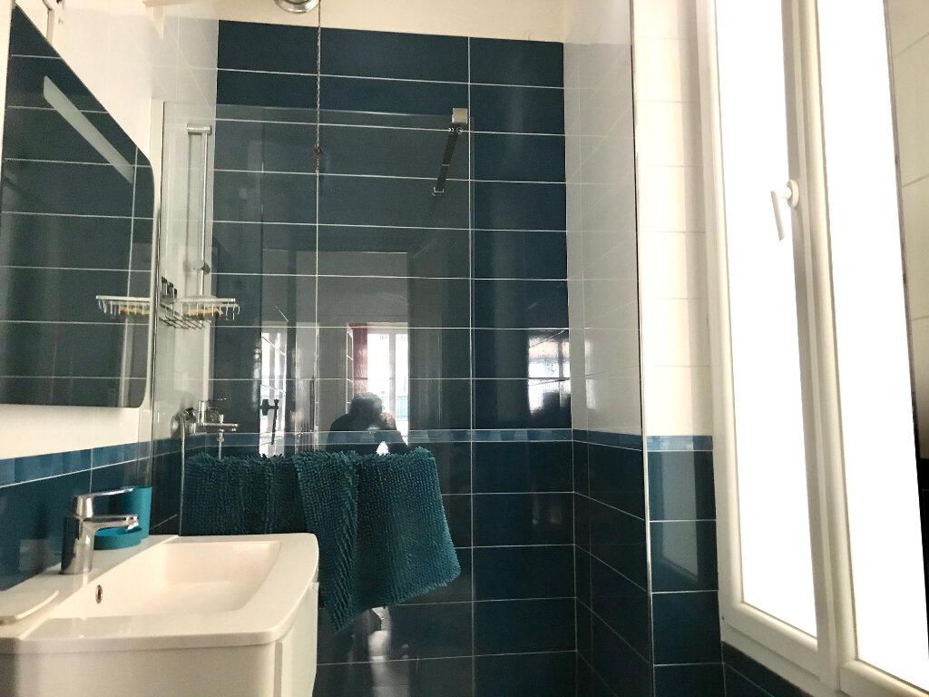 Appartement à louer 3 70m2 à Nice vignette-3