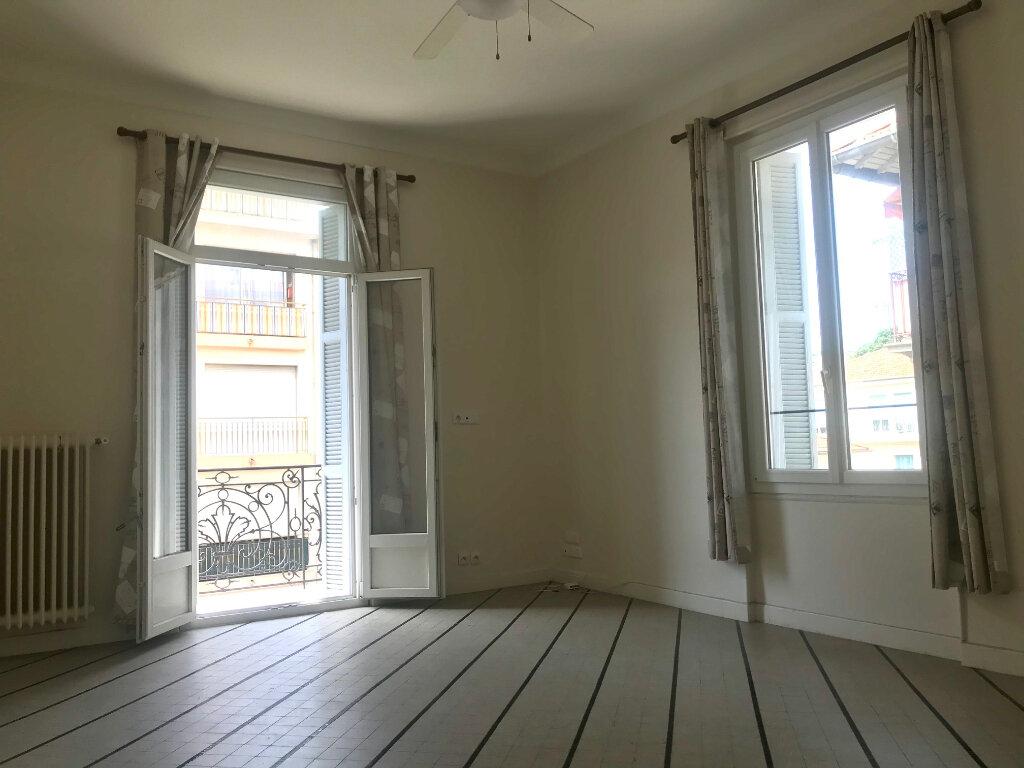 Appartement à louer 3 70m2 à Nice vignette-4