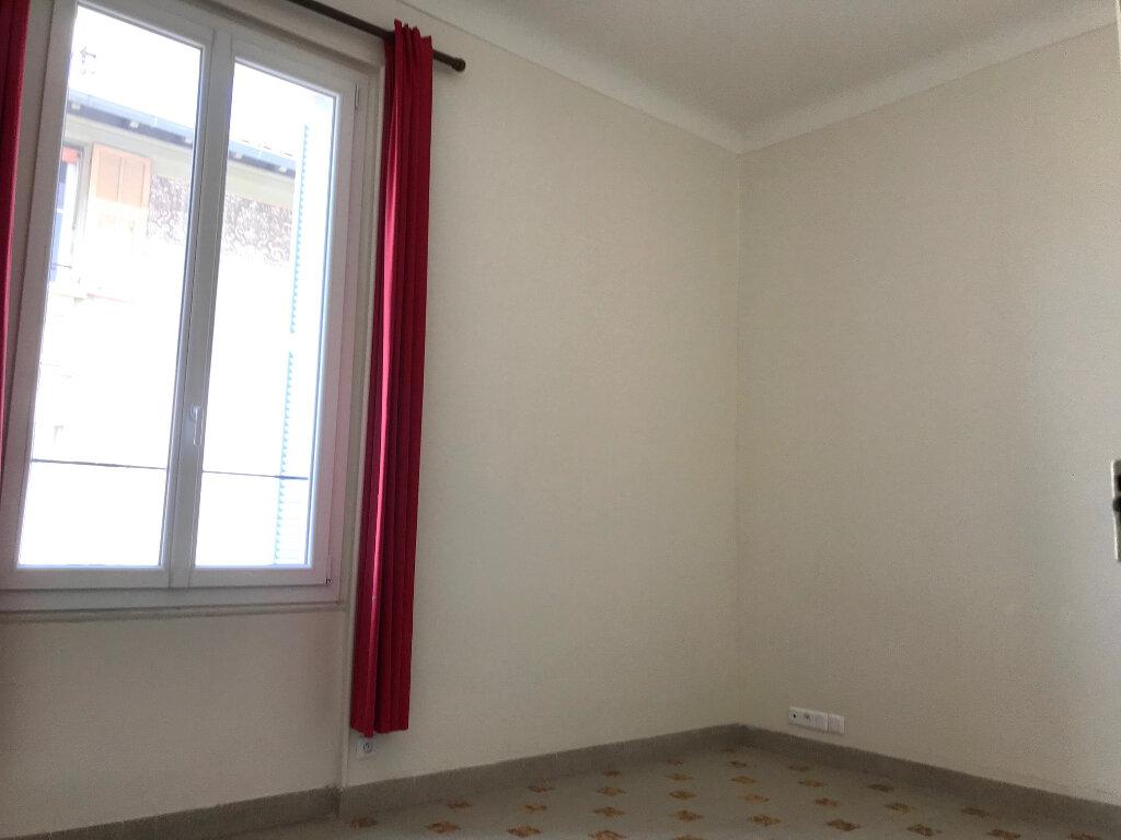Appartement à louer 3 70m2 à Nice vignette-7