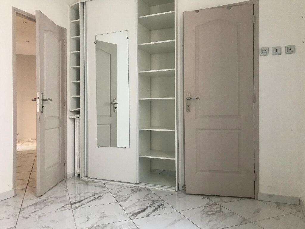 Appartement à louer 2 40.5m2 à Nice vignette-3