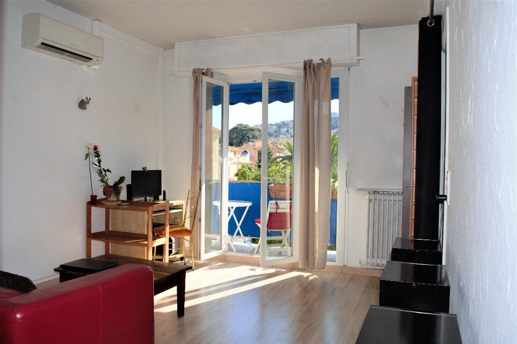 Appartement à louer 1 29m2 à Nice vignette-1