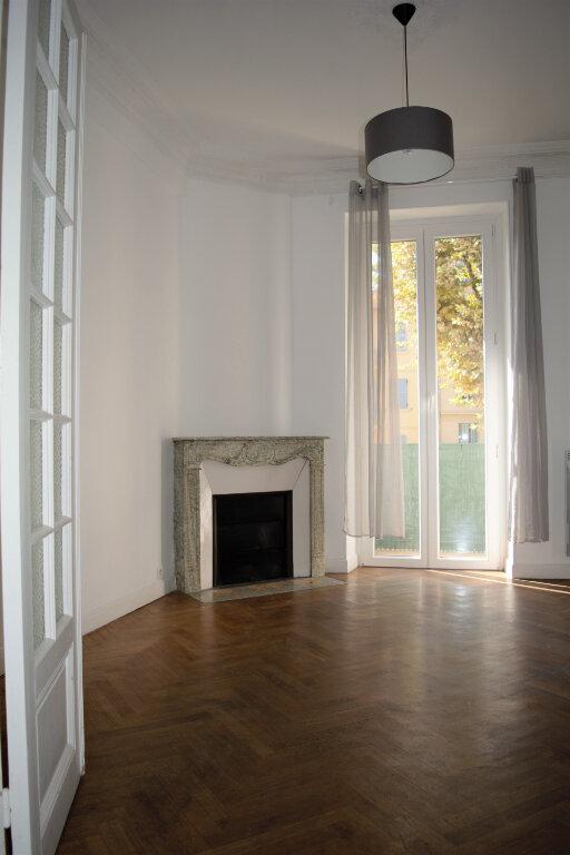 Appartement à louer 2 45.88m2 à Nice vignette-1