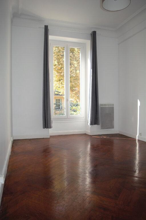 Appartement à louer 2 45.88m2 à Nice vignette-4