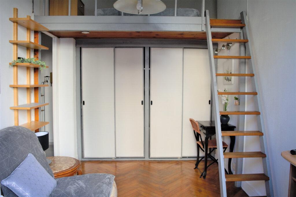 Appartement à louer 1 25.33m2 à Nice vignette-1