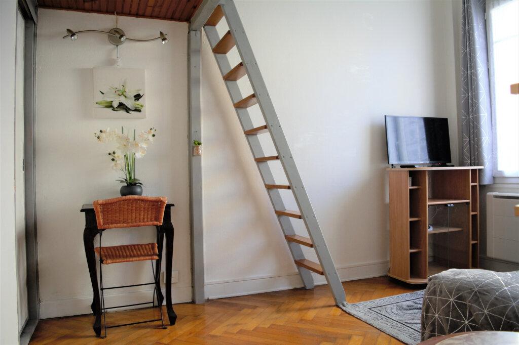 Appartement à louer 1 25.33m2 à Nice vignette-2