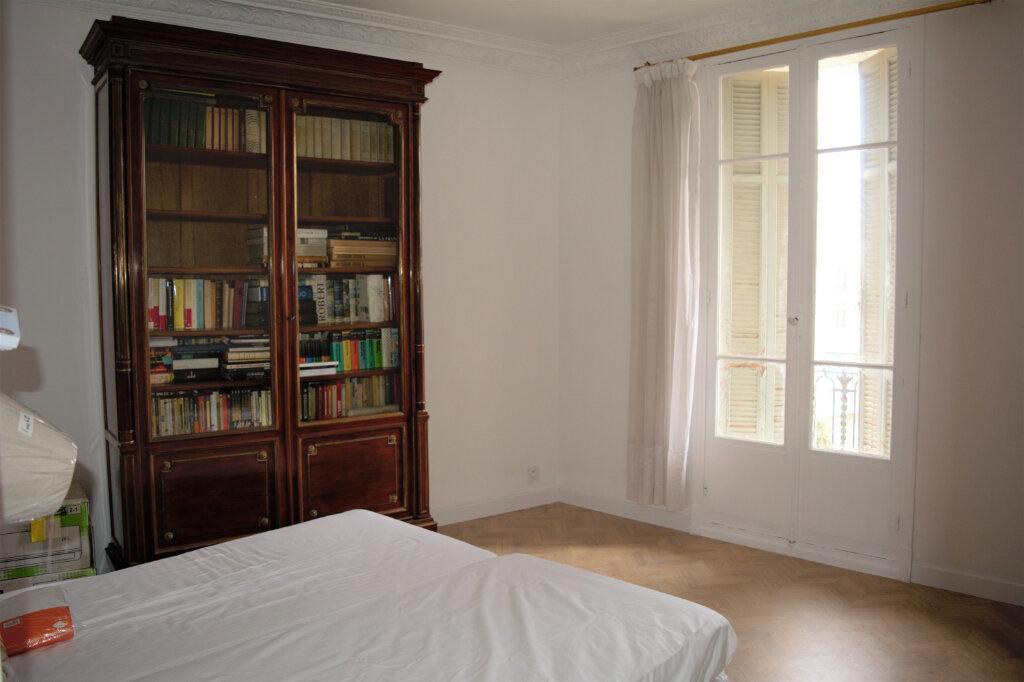 Appartement à louer 3 68m2 à Nice vignette-5