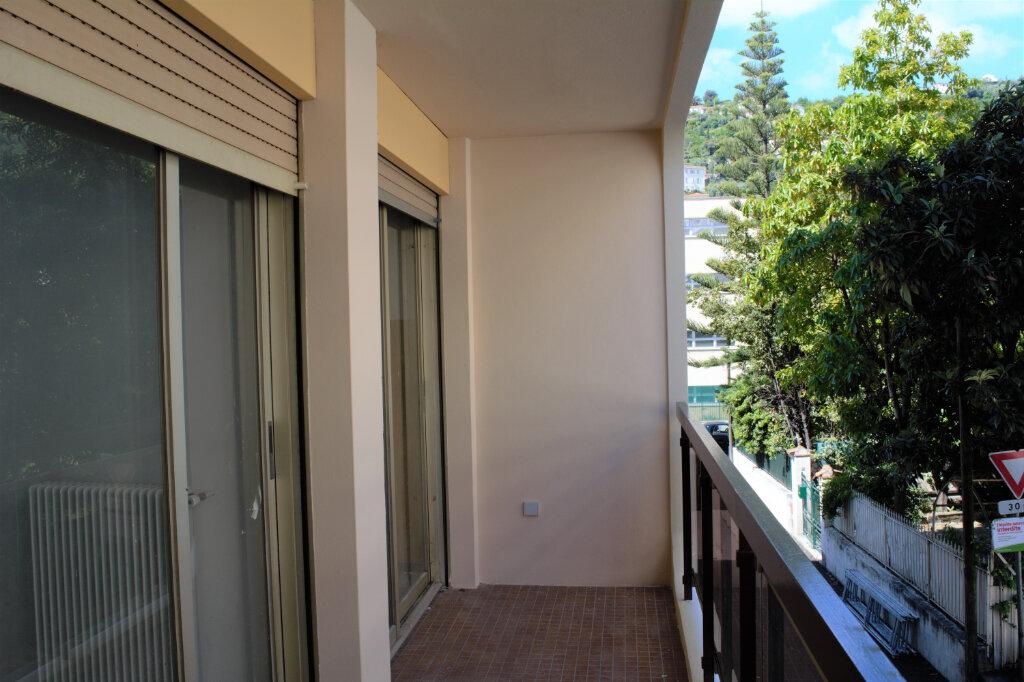 Appartement à louer 3 59m2 à Nice vignette-2