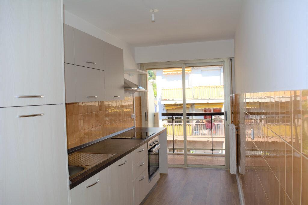 Appartement à louer 4 71.59m2 à Nice vignette-7