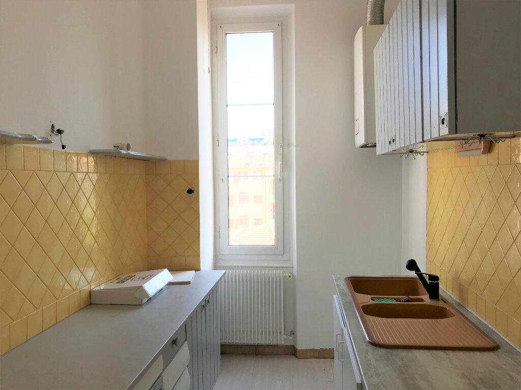 Appartement à louer 3 53m2 à Nice vignette-3