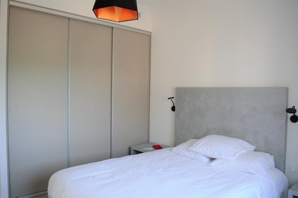 Appartement à louer 3 105m2 à Cannes vignette-7