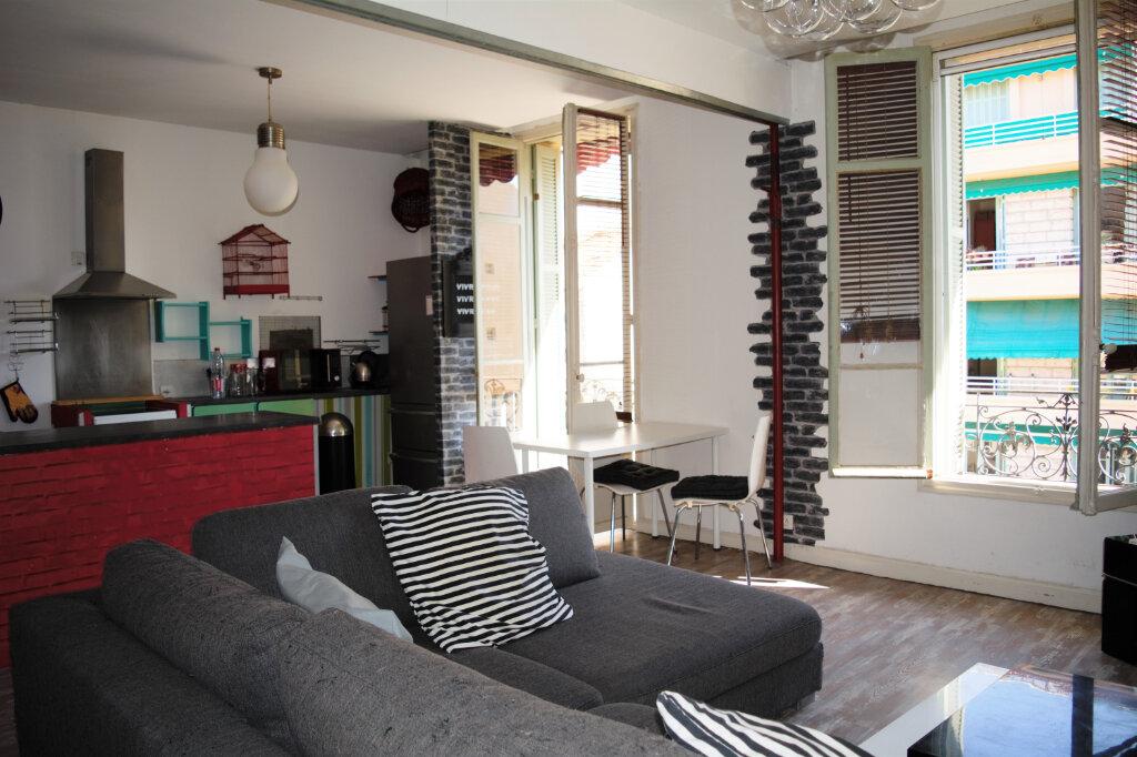 Appartement à louer 3 63.76m2 à Nice vignette-1