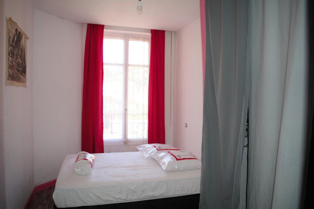 Appartement à louer 3 63.76m2 à Nice vignette-4