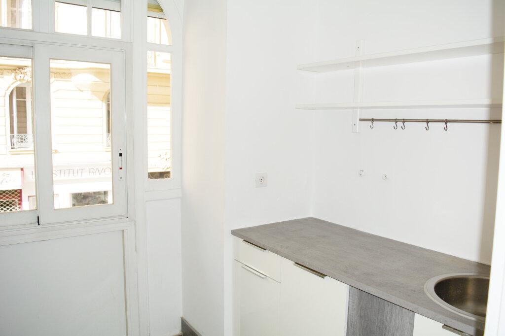 Appartement à louer 4 105m2 à Nice vignette-4