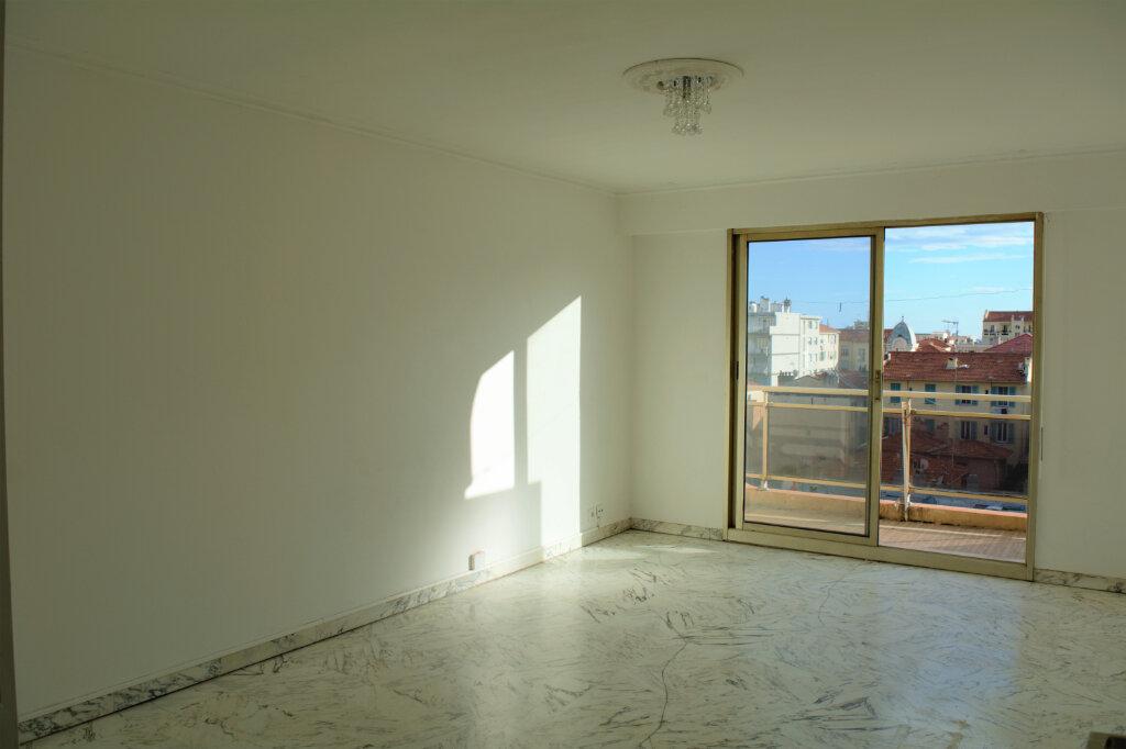 Appartement à louer 2 49m2 à Nice vignette-1