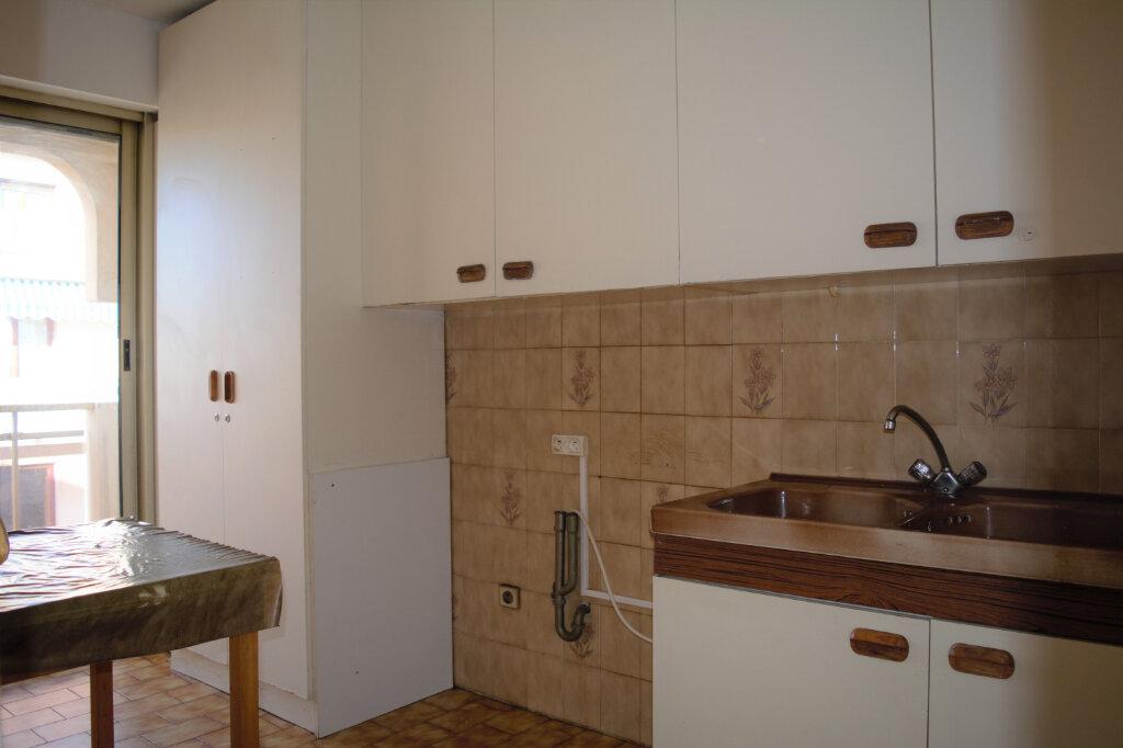 Appartement à louer 2 49m2 à Nice vignette-6