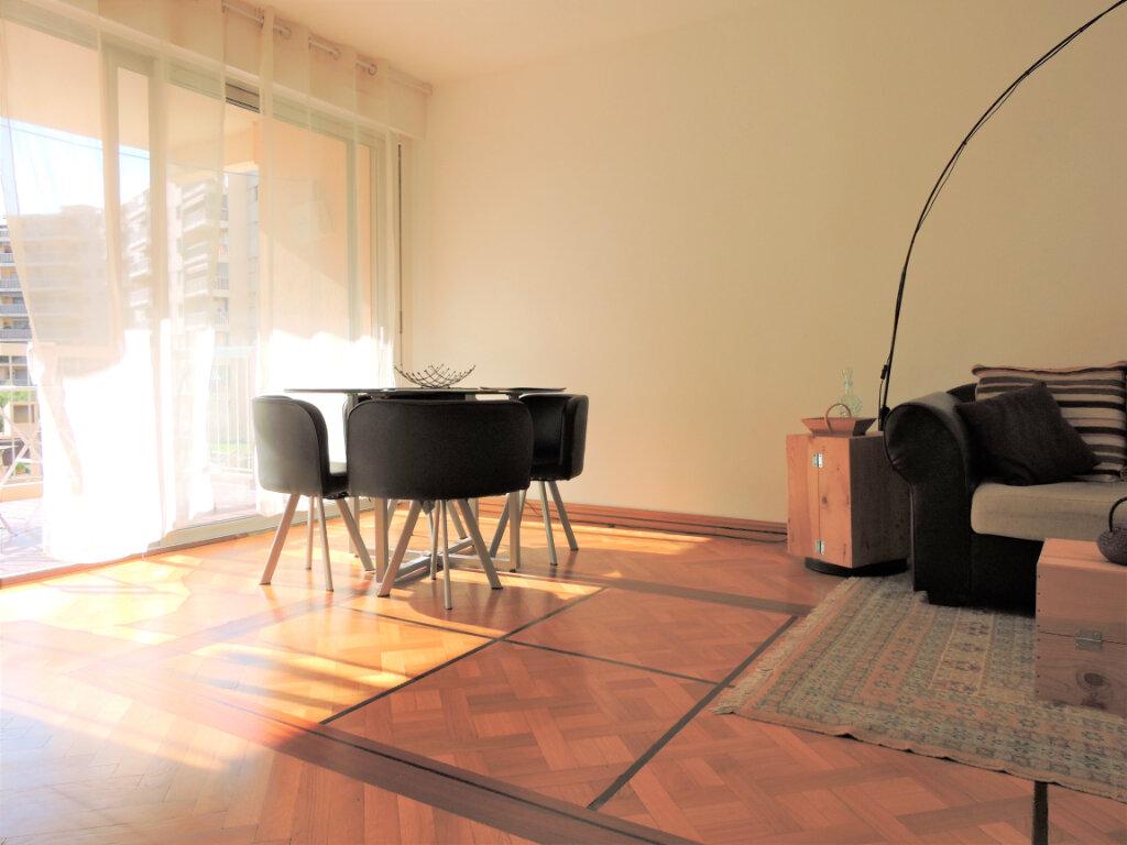 Appartement à vendre 3 63.57m2 à Nice vignette-1