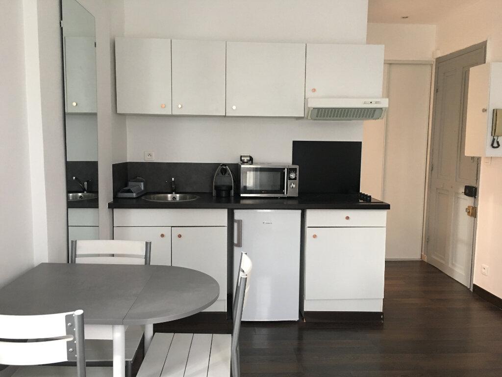 Appartement à louer 1 20.3m2 à Nice vignette-5