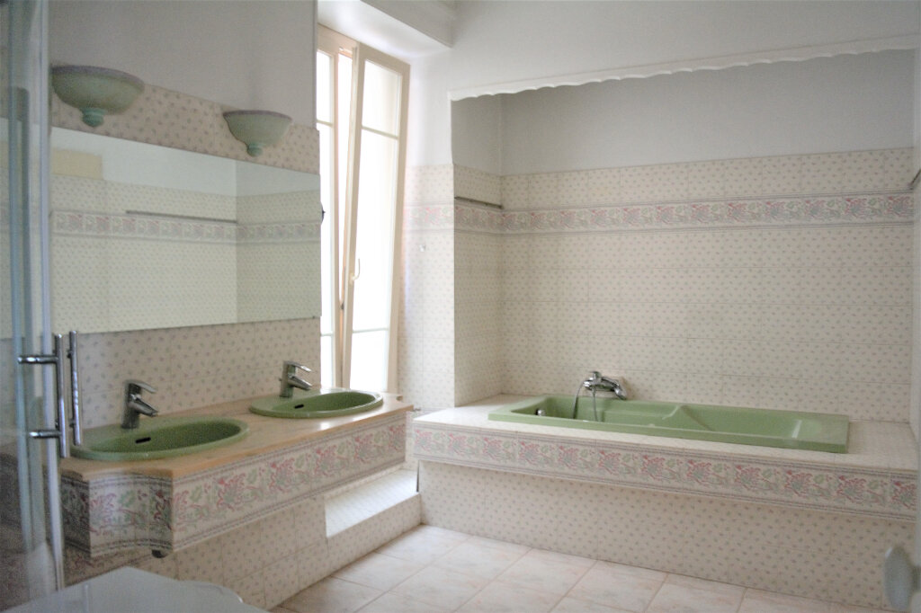 Appartement à vendre 2 62.63m2 à Nice vignette-5