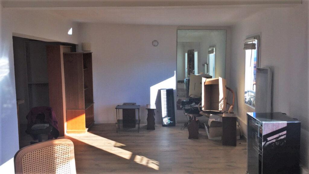 Appartement à vendre 2 62.43m2 à Hyères vignette-2