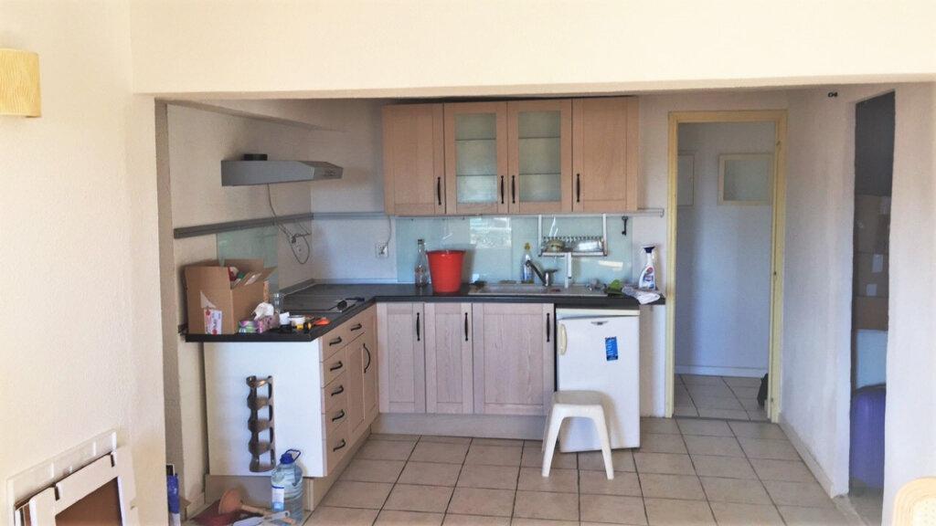 Appartement à vendre 2 62.43m2 à Hyères vignette-4