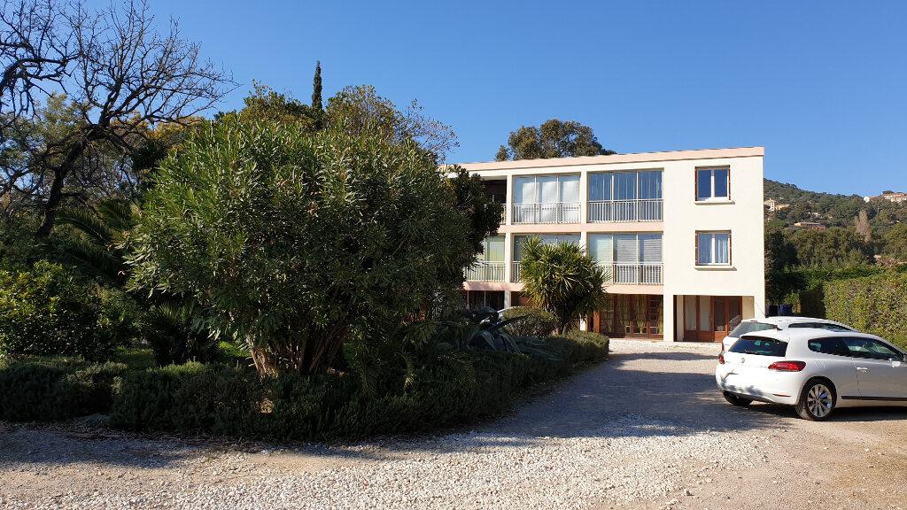 Appartement à vendre 1 23.35m2 à Bormes-les-Mimosas vignette-1