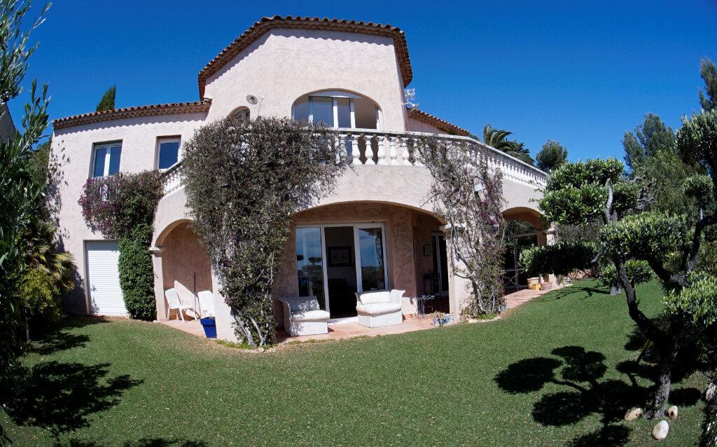 Maison à vendre 7 179.12m2 à Hyères vignette-2